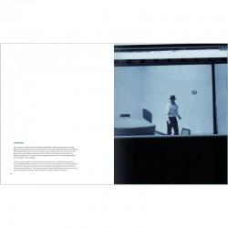 """double page du livre """"RAW"""" de Bernar Venet"""
