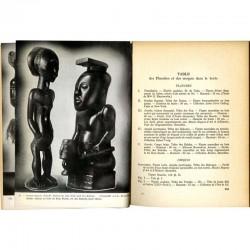 """Photographie en NB du livre d'Henri Lavachery """"Statuaires de l'Afrique noire"""""""