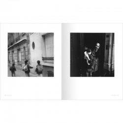 """Une double page du livre de bernard Plossu """"Paris-Matic"""", éditions Marval"""