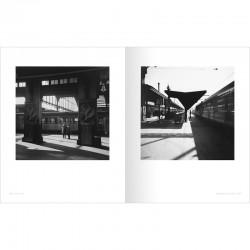 """Une double page du livre """"Paris-Matic"""", de Bernard Plossu, aux éditions Marval-ruevisconti"""