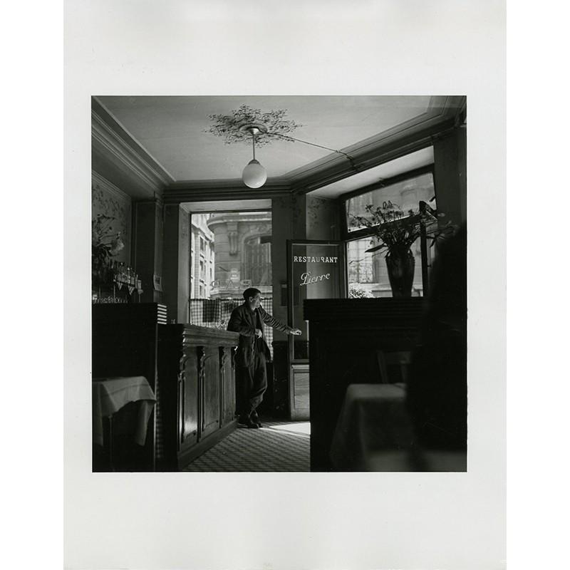 Tirage argentique de Louis Stettner, Chez Madame Daviet (Restaurant Pierre), Paris, 1950