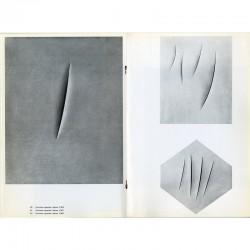 26 œuvres de Lucio Fontana reproduites en noir et blanc