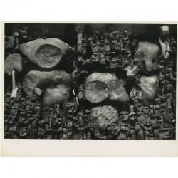 """Photo de l'oeuvre de Yolande Fièvre """"Les pierres de Sancerre"""" par Shunk et Kender"""