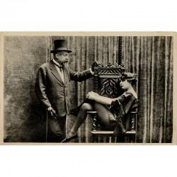 carte postale est illustrée d'une photo du couple Colette et Willy