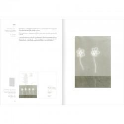 """Double page du livre de Claude Lévêque """"Catalogue raisonné des cartons d'invitation"""""""