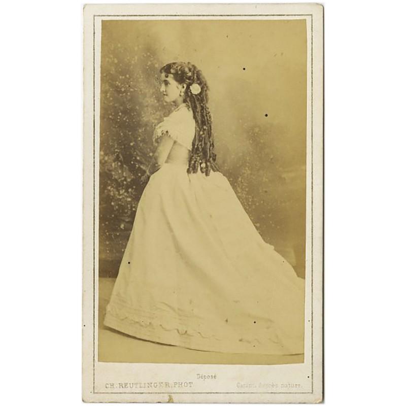 portrait carte d'une jeune fille de profil par Charles Reutlinger