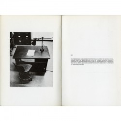 Travail d'art conceptuel de Victor Burgin