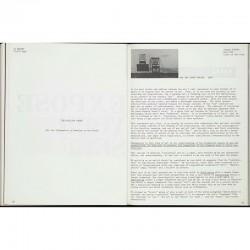"""exposition """"Information"""" au MOMA : pages du. catalogue consacrées à On Kawara et Joseph Kosuth"""