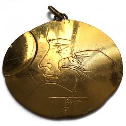 """Pierre-Yves Trémois, avers de la médaille """"Regard de l'homme, regard d'aigle"""""""