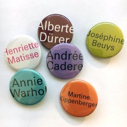 "Lot de 6 badges ""portraits"" d'Agnès Thurnauer"