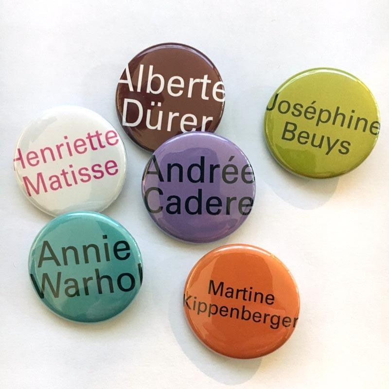 """Lot de 6 badges """"portraits"""" d'Agnès Thurnauer"""
