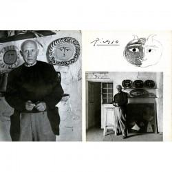 """Double page de la revue """"Artistes chez eux"""" photos de Maywald"""